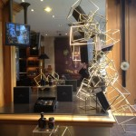 Boutique Maille Paris animation vitrine collection hiver - Focus Shopper