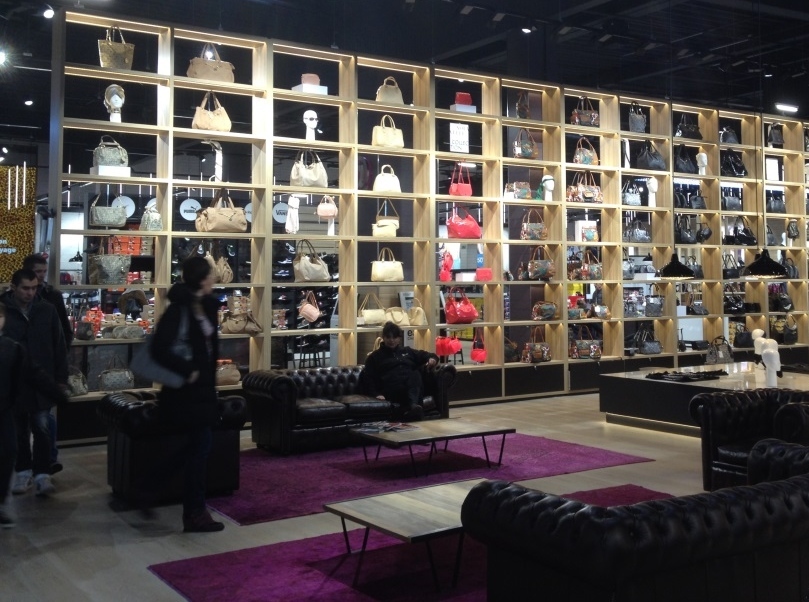 la halle chaussures caen. Black Bedroom Furniture Sets. Home Design Ideas