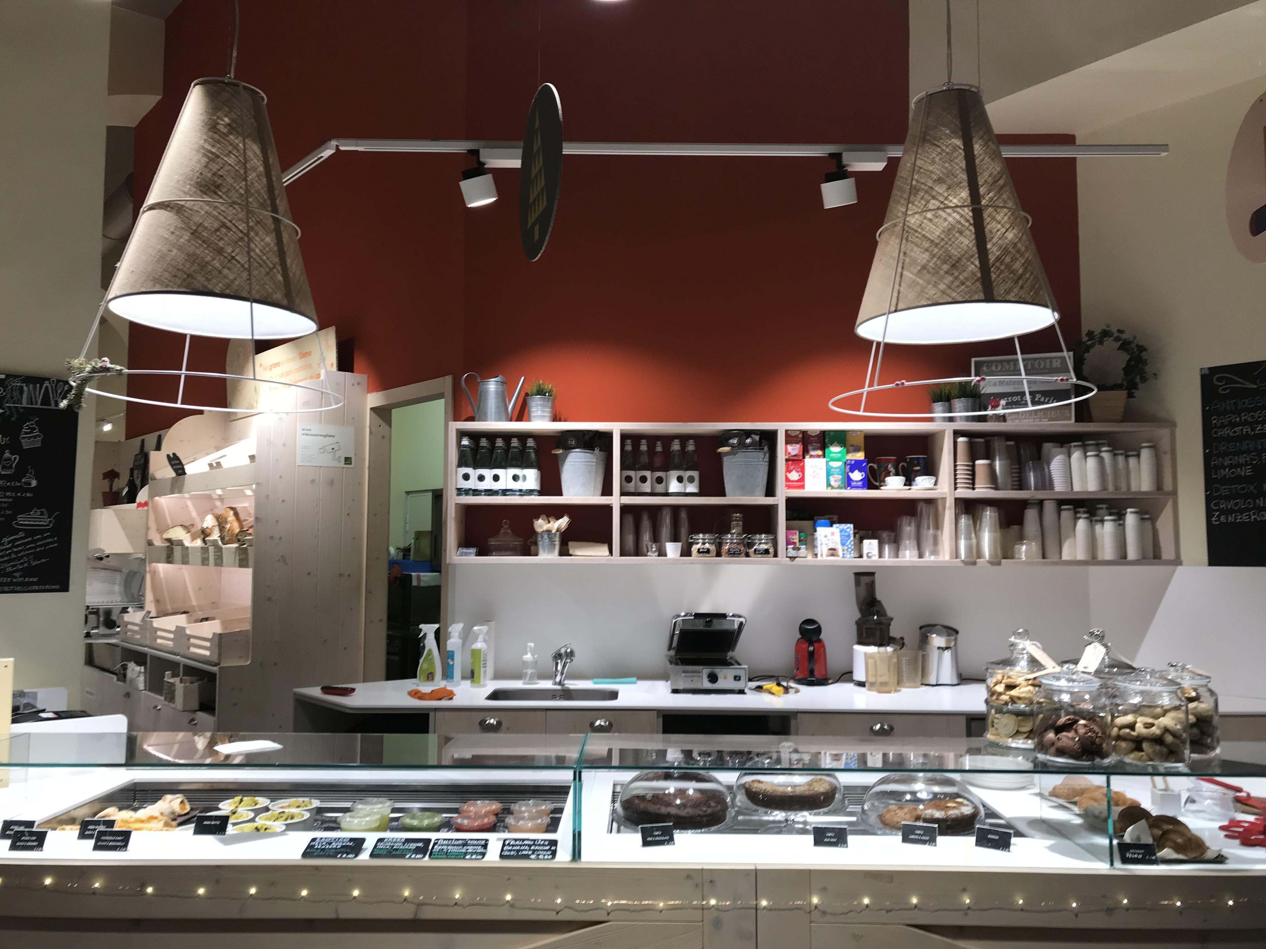 Retail tour Rome – supermarché et chausseur